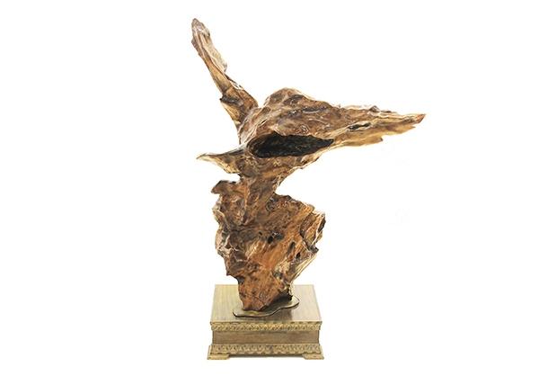 金丝楠木工艺品-雄鹰展翅