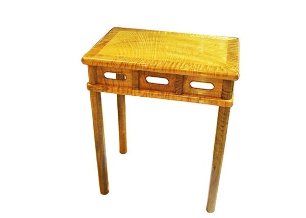 金丝楠木家具-闪光火焰纹金丝楠木桌